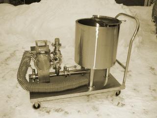 Передвижная термоемкость с мембранным насосом